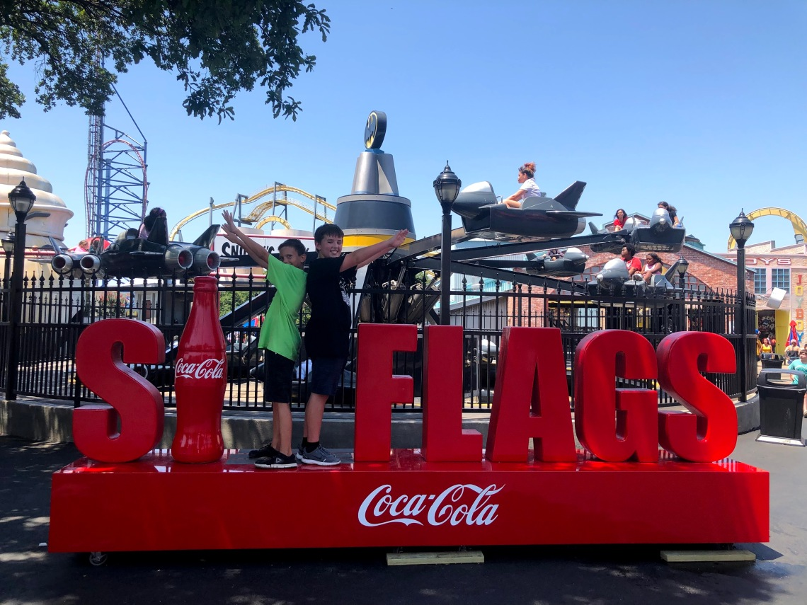 six-flags-over-texas-coke-sign-noah-and-leo-2019